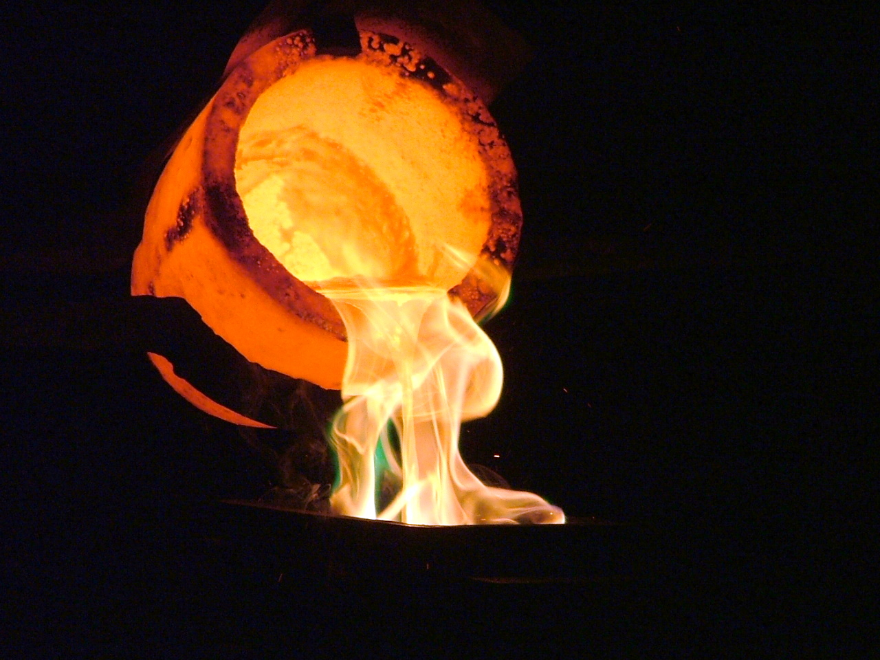 Six mining groups ask court to approve R5 billion silicosis settlement
